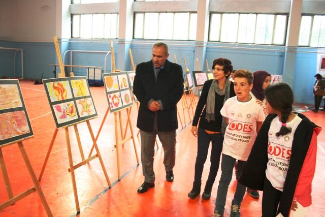 """Ömerli'de """"Sanat Atölyesinde Yolculuk projesi"""" sergisi"""