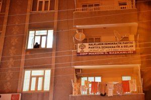 HDP ilçe başkanının aracında terör propagandası içerikli broşürler bulundu