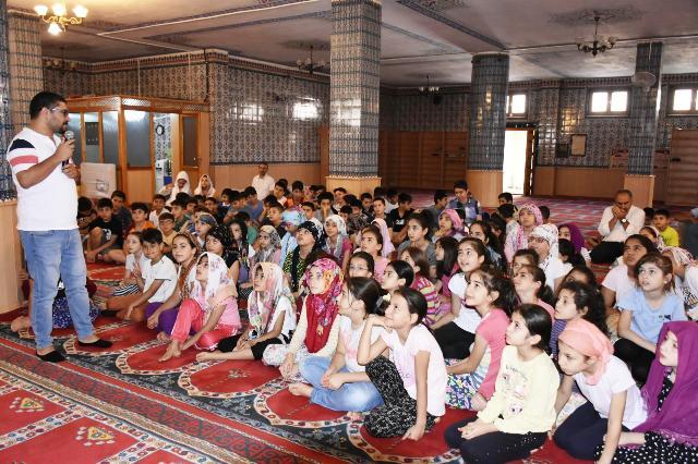 Yaz Kur'an kursu öğrencilerine  sağlıklı yaşam eğitimi