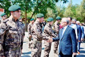 Vali Yaman güvenlik güçleri ile bayramlaştı