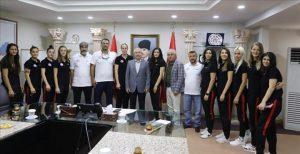 Sağlıkspor Vali Yaman'ı ziyaret etti
