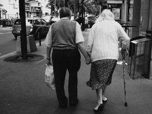Çalhan: Yaşlılar evin bereketidir