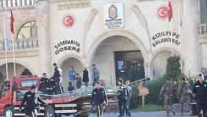 Görevden uzaklaştırılan eski başkan Yılmaz gözaltına alındı