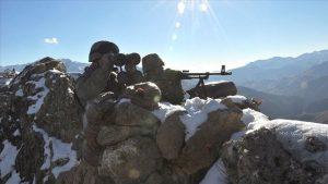 MSB: Silopi ve Kızıltepe'de 5 terörist teslim oldu