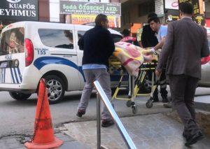 Kanepenin içinde ağır yaralı bulunan kadın hastanede öldü