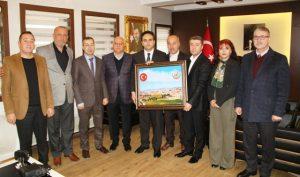 Kent Konseyinden  Midyat Kaymakamı  Dundar'a ziyaret
