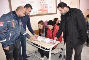 Öğrencilere Deprem Önlemleri Eğitimi