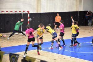 Başakspor Hentbol Ankara  Yenimahalle takımına 23-29 yenildi