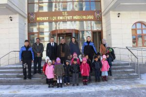 Anasınıfı öğrencilerinden Midyat İlçe Emniyet Müdürlüğüne ziyaret