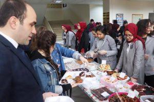 Lise öğrencilerinden  İdlib için kermes