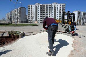 Büyükşehir Belediyesinin parke çalışmaları sürüyor
