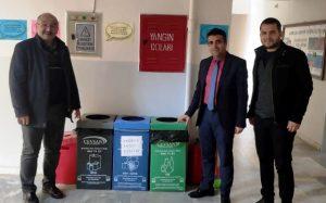 Nusaybin Belediyesince  okullara atık kutusu dağıtıldı