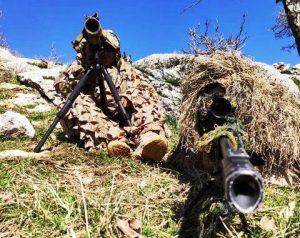 Güvenlik güçlerine el bombası atmak üzereyken etkisiz hale getirilmiş