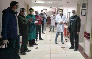 Koronavirüsü yenen 2 hasta taburcu edildi