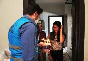Vefa Sosyal Destek Grubu Kübra'nın doğum gününü kutladı