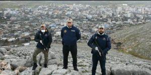"""Polisten Türkçe ve Kürtçe """"Evde kal"""" klibi"""