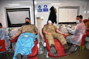 Mehmetçikten Kan Bağışı