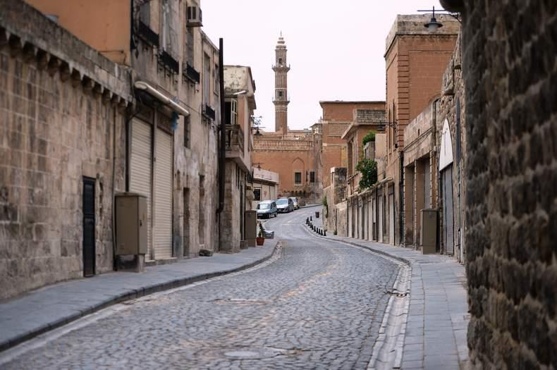 Sokağa çıkma kısıtlamasına uyuluyor…Sokaklar bomboş