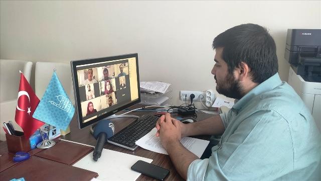 Lise öğrencilerinden on-line Arapça münazara