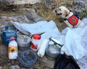 Teröristlerin kullandığı mağarada patlayıcı malzemeleri ele geçirildi