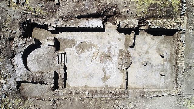 1624 yıllık kiliseye ait mozaikler gün yüzüne çıkarılıyor