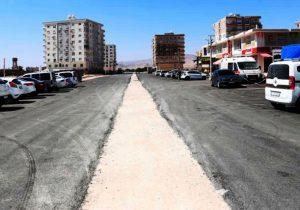 Kızıltepe'de 20. Caddede asfalt çalışması