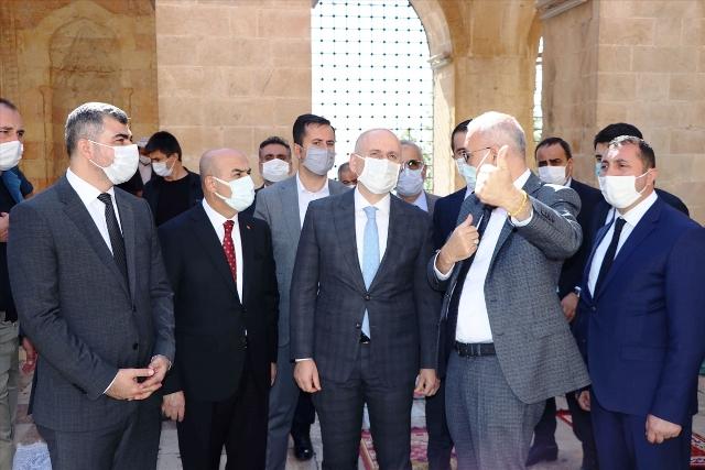 Bakan Karaismailoğlu Mardin'deki tarihi mekanları ziyaret etti