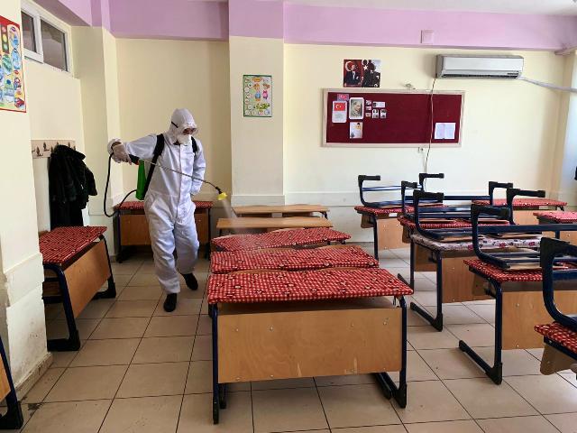 Bin 200 okul dezenfekte edildi