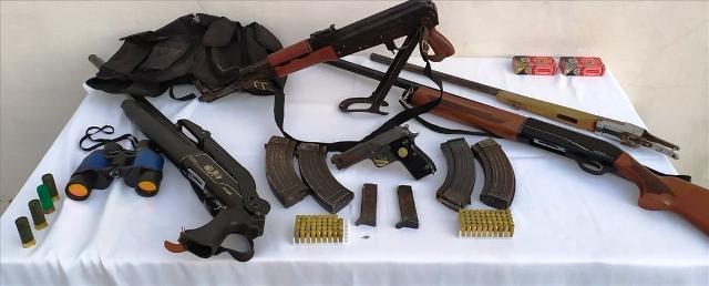 Uzun namlulu silah ve tabanca ele geçirildi
