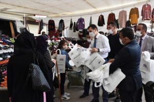 """Nusaybin'de """"Sıfır Atık Projesi"""" kapsamında alışveriş torbası dağıtıldı"""