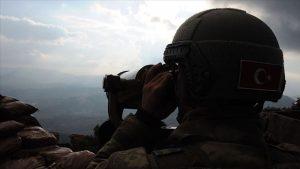 İkna çalışması sonucu 1 gri kategoride 2 PKK'lı terörist teslim oldu