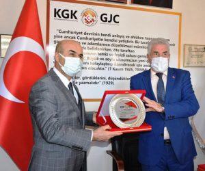 Vali Demirtaş'tan Avuka'ya hayırlı olsun ziyareti