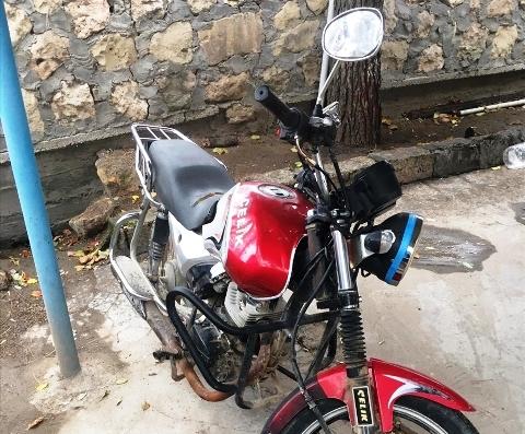 Çaldığı motosikletle hırsızlık yapan zanlı tutuklandı