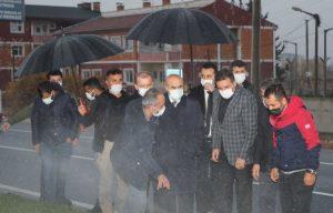 Vali Demirtaş, Yağmur  Çamur Dinlemiyor
