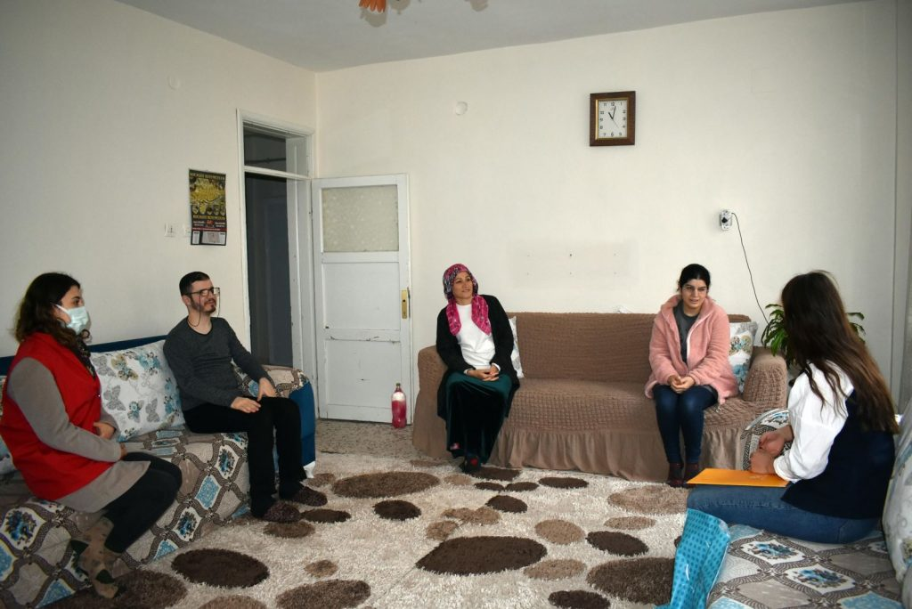 Görme Engelliler Farkındalık Gününde görme engellilere ziyaret