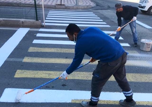 Dargeçit'te trafik çizgileri yenilendi