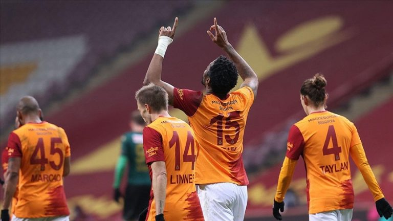 Galatasaray fena patladı: 6-1