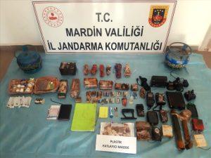 Terör örgütü iş birlikçilerine operasyon: 22 gözaltı