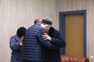 Polisin ikna çalışması sonucu teslim olan terörist ailesiyle buluşturuldu