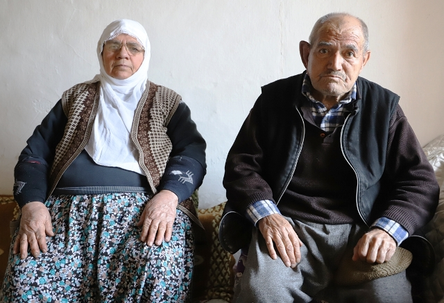 Yaşlı çift dolandırıldıkları iddiasıyla polise başvurdu