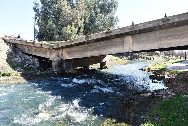 PKK'lı teröristlerin tahrip ettiği köprülerin yerine yenileri yapılacak