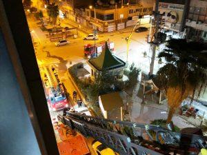 Yanan otelin penceresinden  atlayan kişi yaralandı
