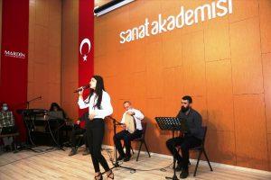 Yunus Emre Enstitüsü Azez Kültür Merkezi  tiyatro ve müzik ekibi Mardin'de sahne aldı
