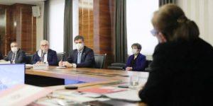 Ticaret Bakanı Pekcan Makarnacılarla Görüştü
