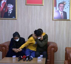 İkna çalışmasıyla teslim olan 2 PKK/KCK'lı terörist aileleriyle buluşturuldu