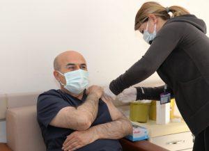Vali Demirtaş: Sırası  gelen tüm hemşehrilerim  aşılarını yaptırsın