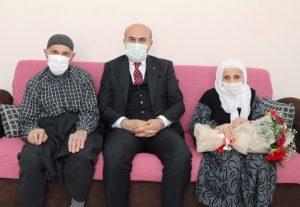 """Vali Demirtaş'tan  """"Yaşlılar Haftası"""" Ziyareti"""