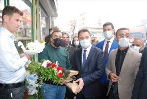 DEVA Partisi Genel  Başkanı Babacan, Midyat esnafıyla buluştu