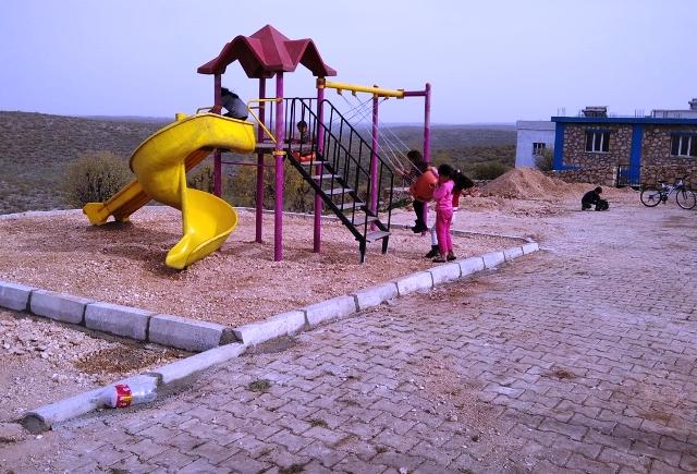 Dargeçit'te çocuklar için park yapıldı