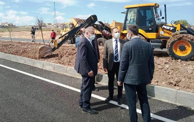 Midyat'ta yol yenileme  çalışmaları devam ediyor